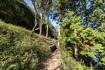 右側が菖蒲谷池。左上側が嵐山高雄パー…