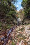 石澄滝に到着。尾根筋からは想像してい…